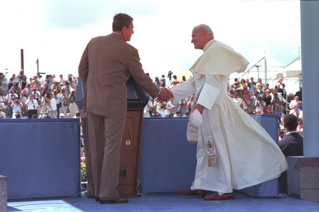 A pope and a president, Paul Kengor